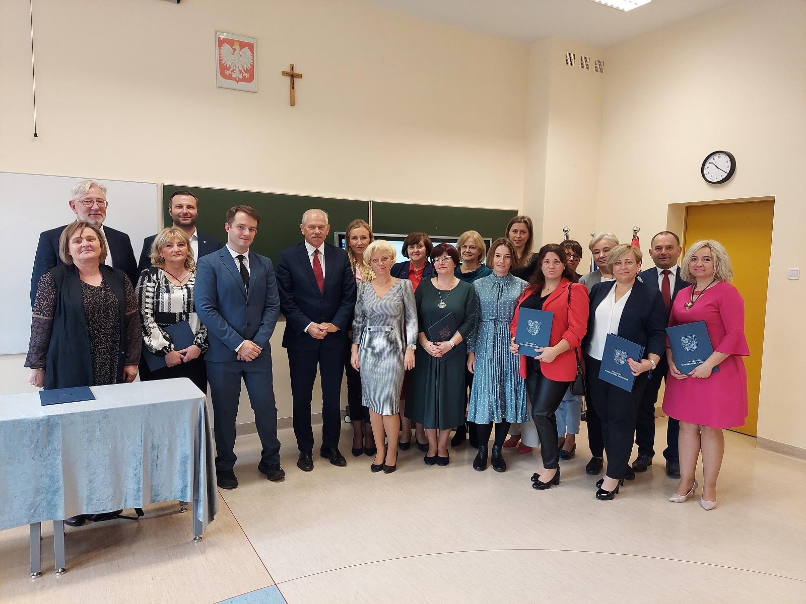zdjęcie grupowe ze spotkania